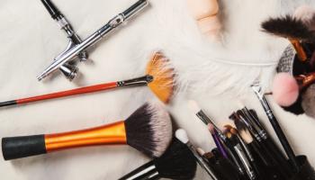airbrush vs regular makeup