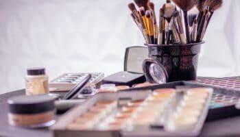 diy makeup brush cleaner spray