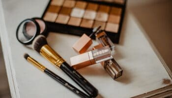 do you have to be an esthetician to do permanent makeup